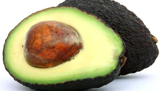 6 Benefits of Avocado Oil for Healthy Hair | Natural Oils