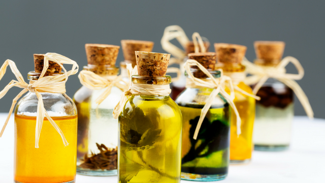 30 Non Comedogenic Oils for Oily Skin | Natural Oils for