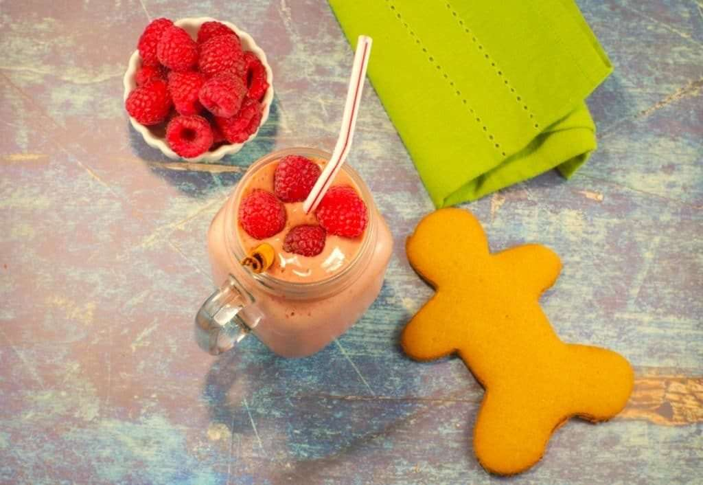 Raspberry Gingerbread Smoothie, healthy breakfast smoothies