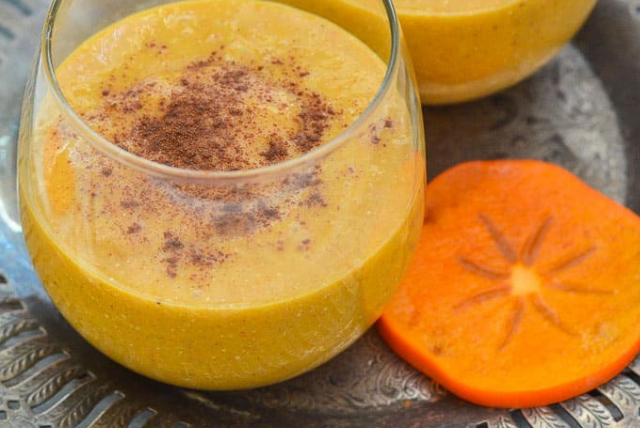 Cinnamon Persimmon Smoothie, healthy smoothies for the holidays